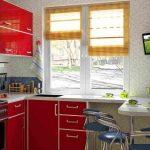 Угловой стол на маленькой кухне