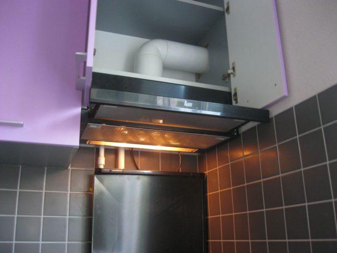 Вытяжка в кухонном шкафчике