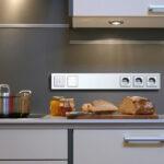 Розетки на кухне: какое расположение оптимально, и сколько их необходимо