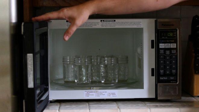 Стерилизация банок в микроволновой печи