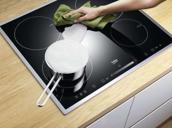 Как и чем эффективно очистить стеклокерамическую плиту в домашних условиях?