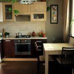 Бежевые оттенки дизайна кухни в цвете венге