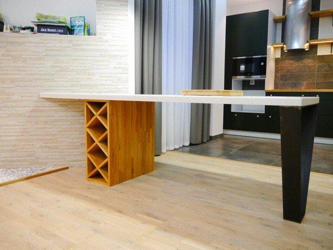 Необычное устройство и форма стола