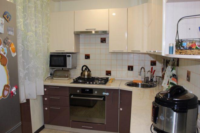Кухня в четырехкомнатной хрущевке