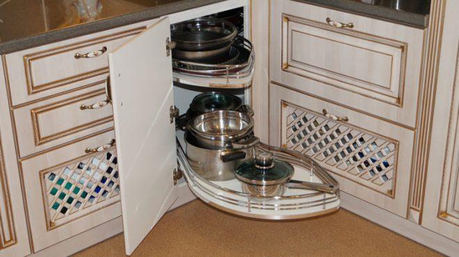 Шкаф для посуды 2