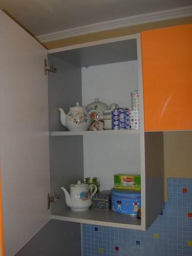 Шкафчик для чайных принадлежностей
