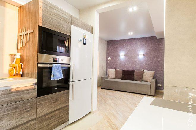 Современная кухня 9 кв. м с балконом