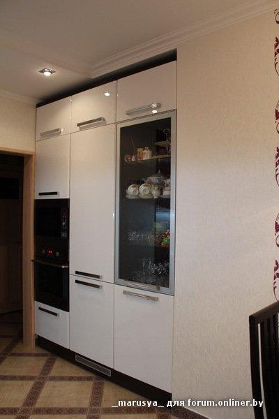 Параллельная белая кухня 12 кв.м
