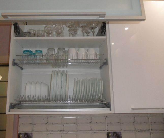 Шкаф с посудой
