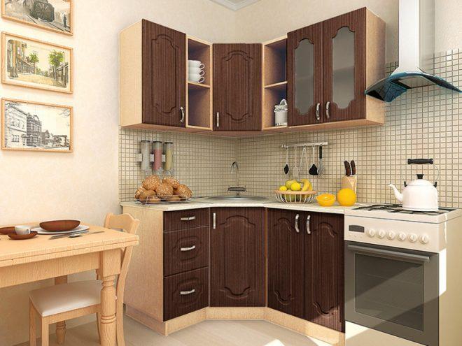 Кухня с верхними шкафами