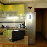 Выделенная обеденная зона в кухне 12 м<sup>2</sup>