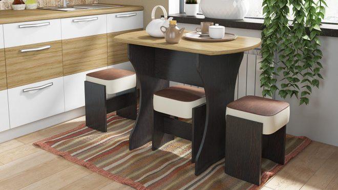 Стол и стулья из ЛДСП
