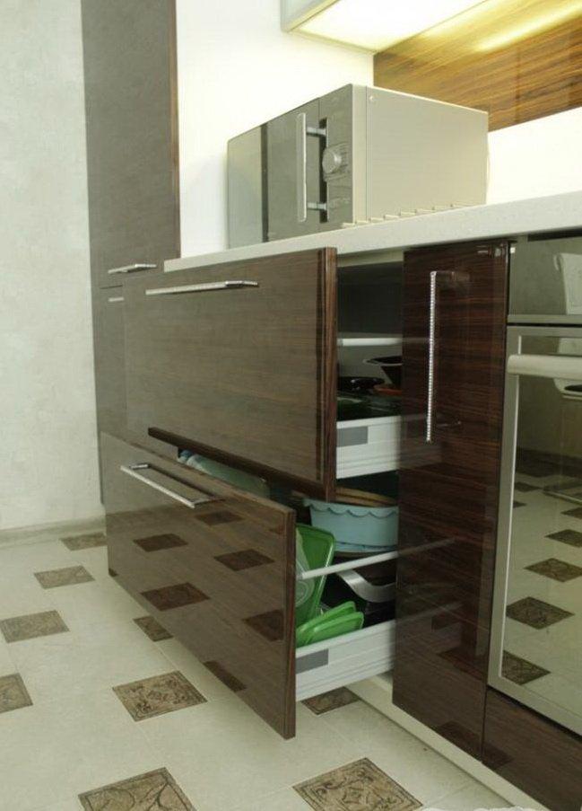 шкаф полупрозрачный