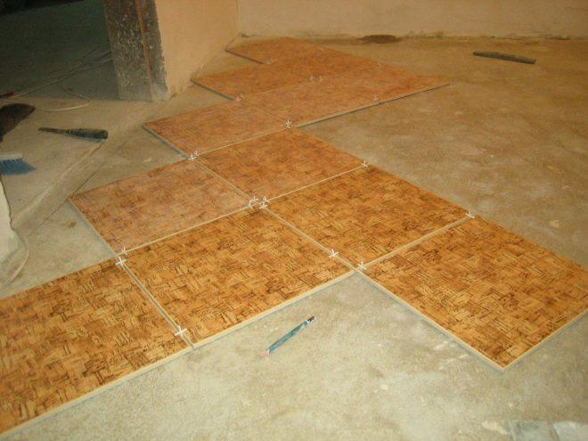 Укладка плитки на пол в кухне