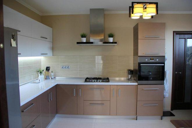 Крашеные фасады кухни