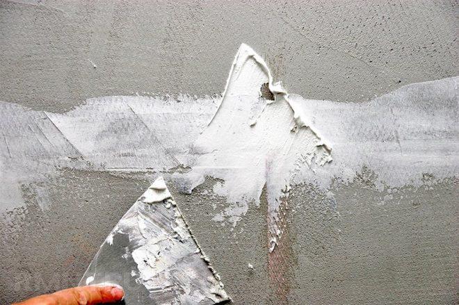 Шпатлевание трещин