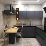Идея перепланировки кухни с переносом входа из прихожей в гостиную