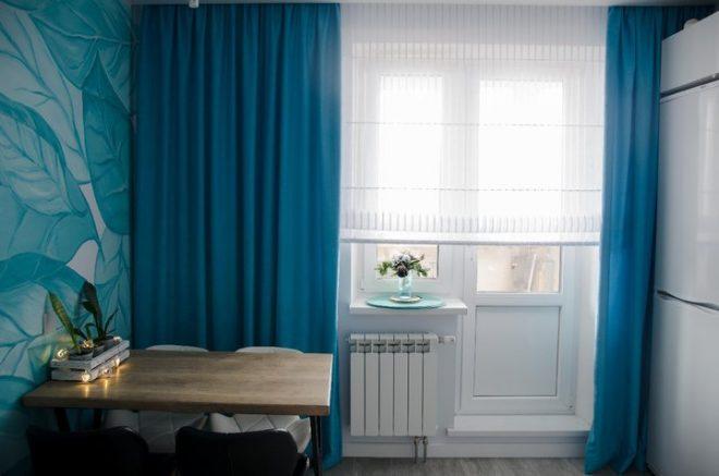 Стол и окно