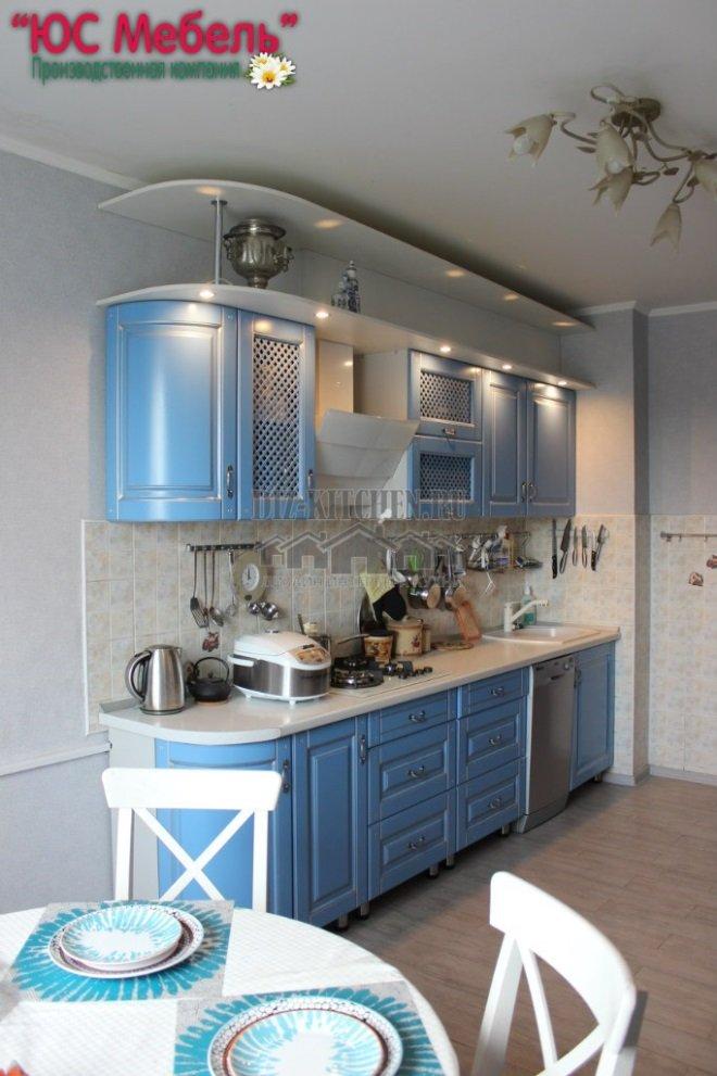 Голубая классическая кухня