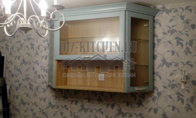 Подвесной шкафчик-витрина