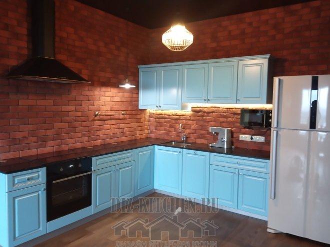 Голубая кухня в стиле фьюжн