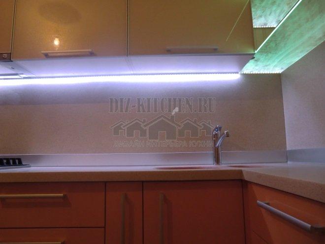 Современная кухня пудровых оттенков