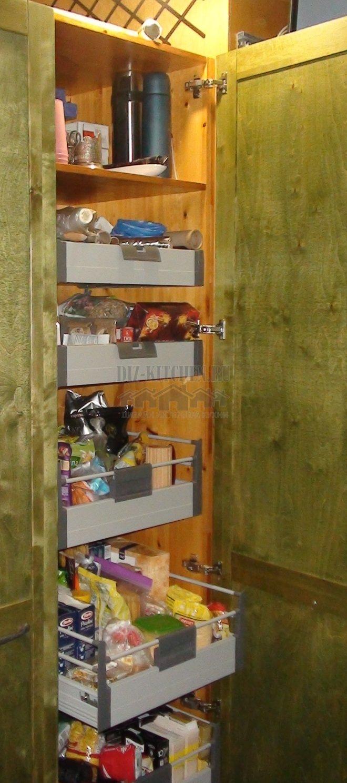 Шкаф с выдвижными полками