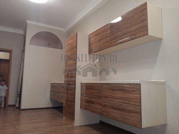 Подвесная кухня с пластиковыми фасадами ARPA