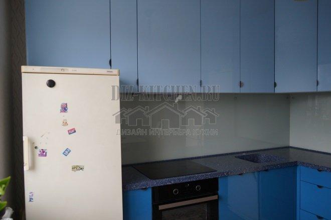 Кухня из крашеного глянцевого МДФ