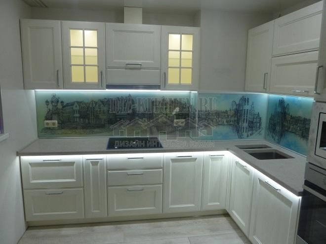 Белая кухня из массива ясеня