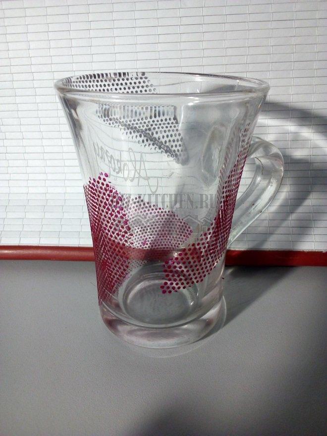 Декор чашки лаком для ногтей
