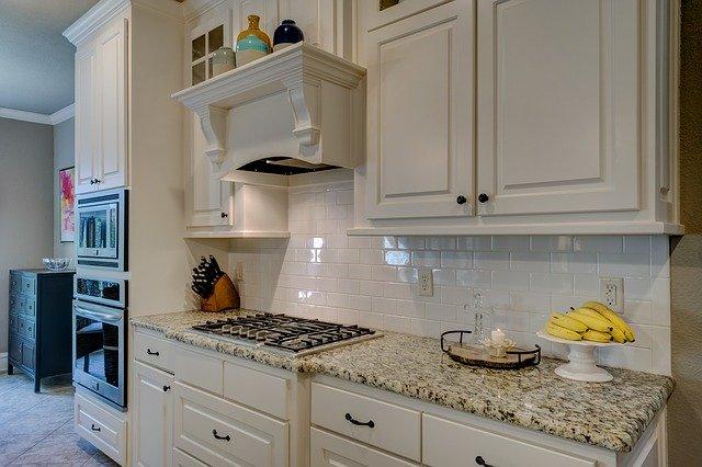 плита на кухне photo