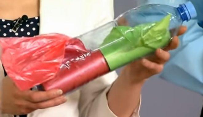 Складываем пакеты в бутылку