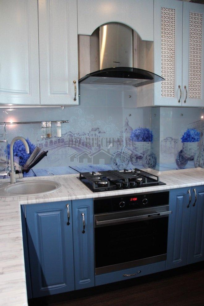 Голубая кухня в восточном стиле