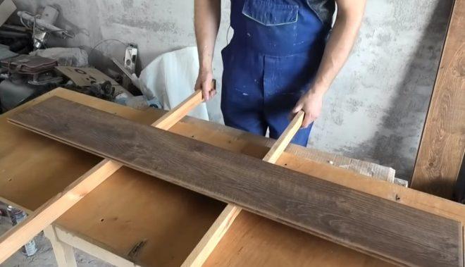 Монтаж ламината на решетку