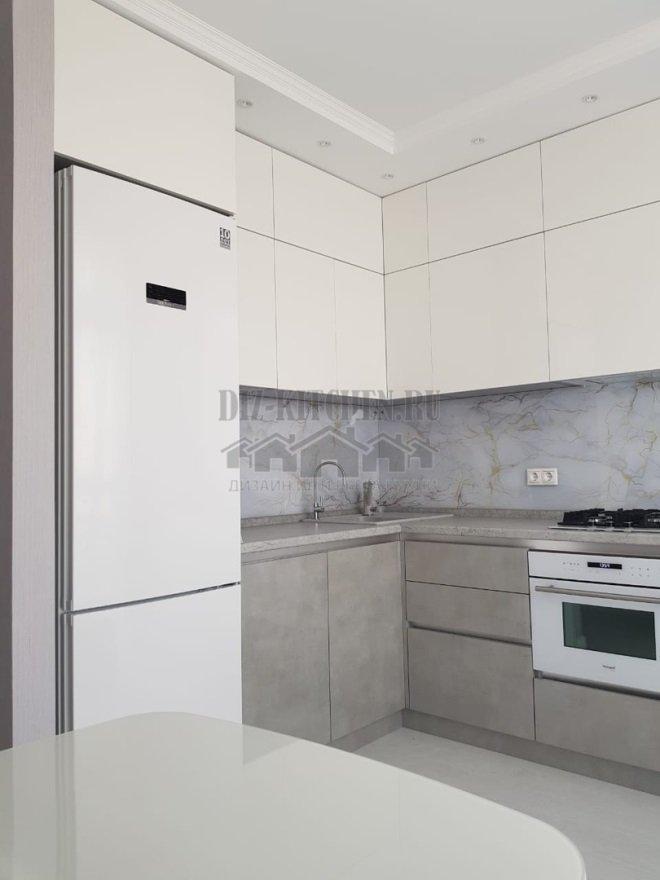 Бело-серая кухня с фасадами Alvic